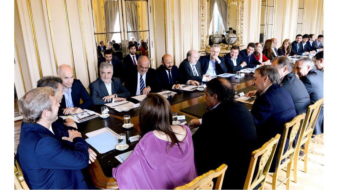 El gobernador de Neuquén, en Radio 10: Trabajaremos para que se sancione una nueva Ley de Coparticipación en estos 4 años