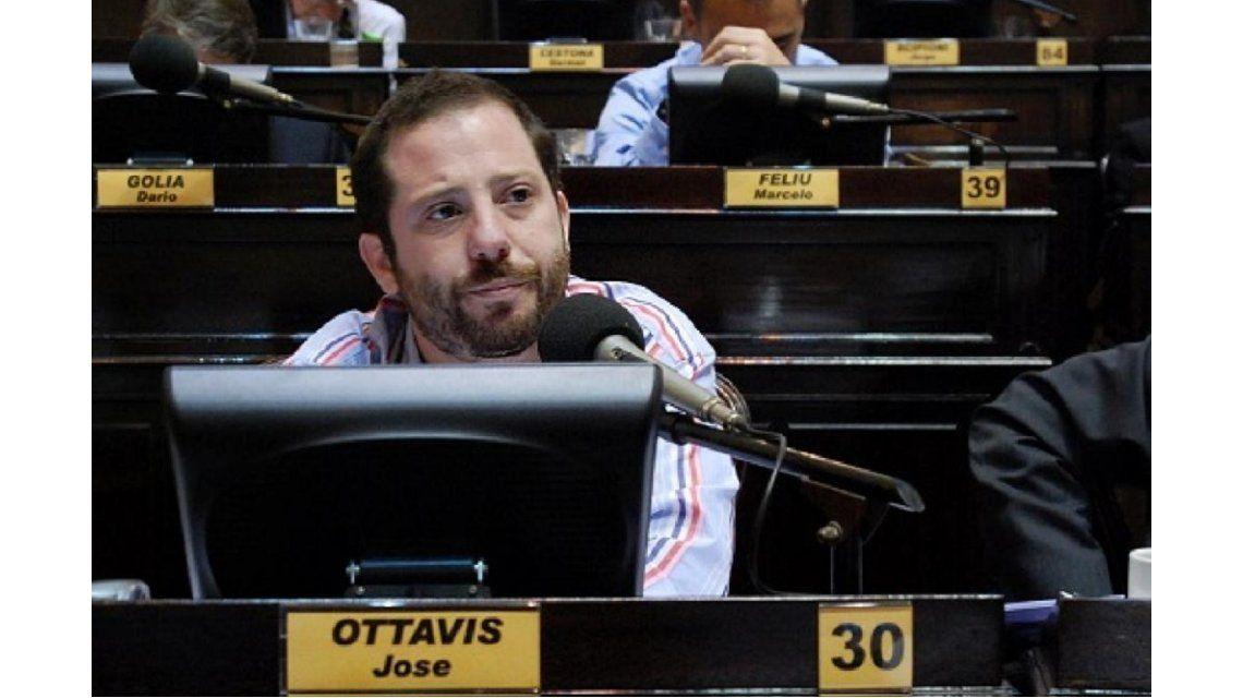 Ottavis renunció a la jefatura del bloque de Diputados bonaerenses del FpV