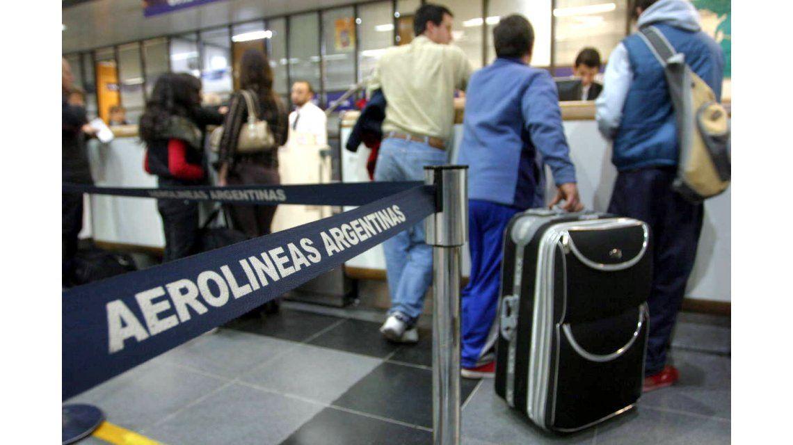 Viajar al exterior cuesta hoy el doble que en 2015