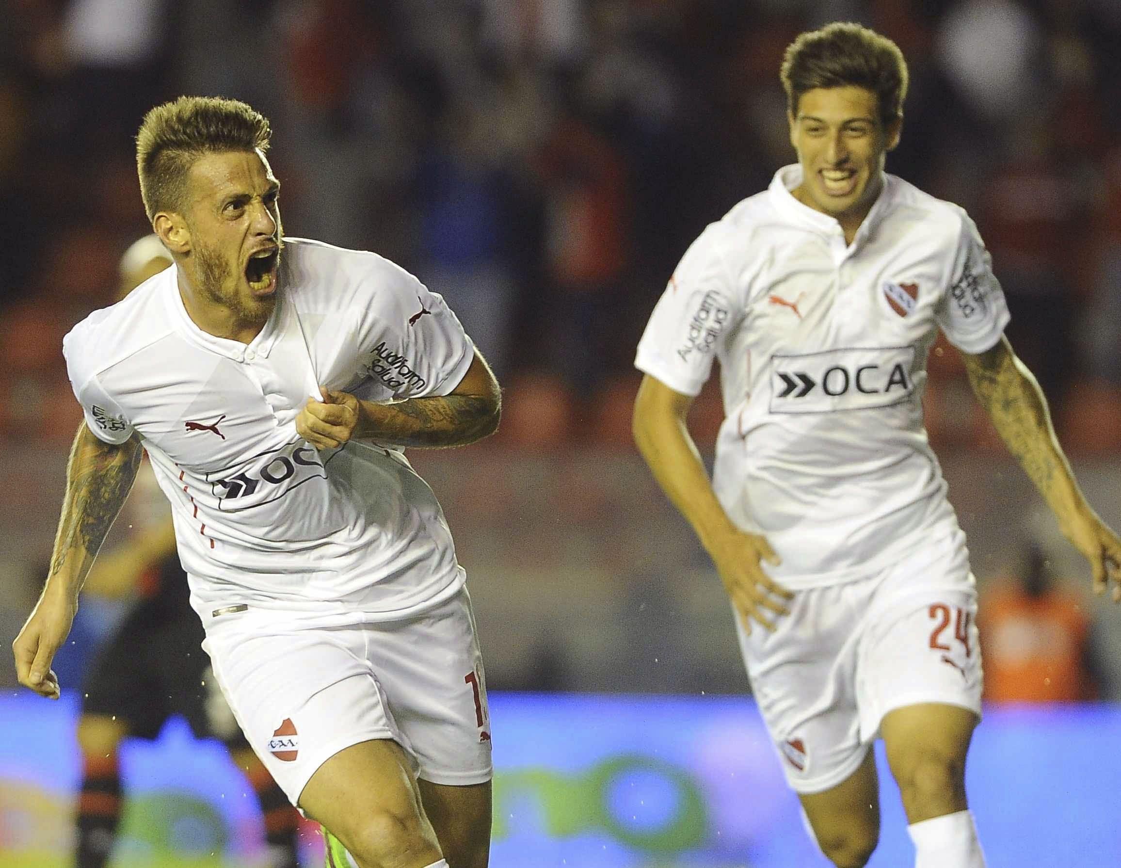 Independiente rompió la racha y vapuleó a Colón en Avellaneda