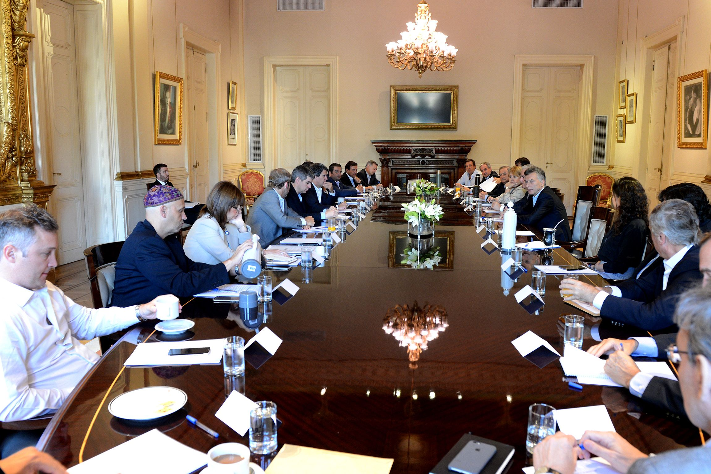 Finalizó la reunión de gabinete en Casa de Gobierno