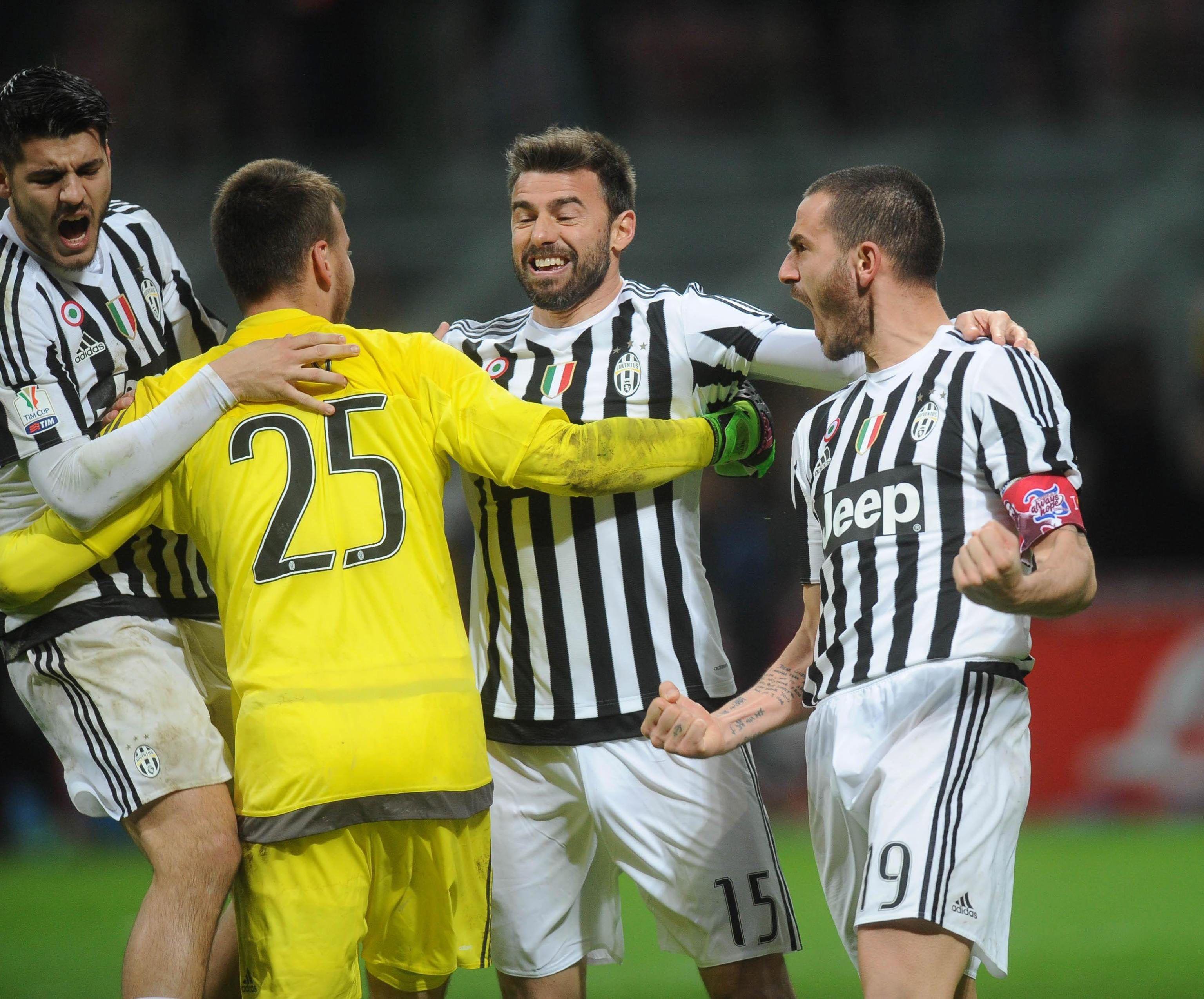 Palacio falló en la serie de penales y el Inter quedó afuera de la Copa Italia ante Juventus