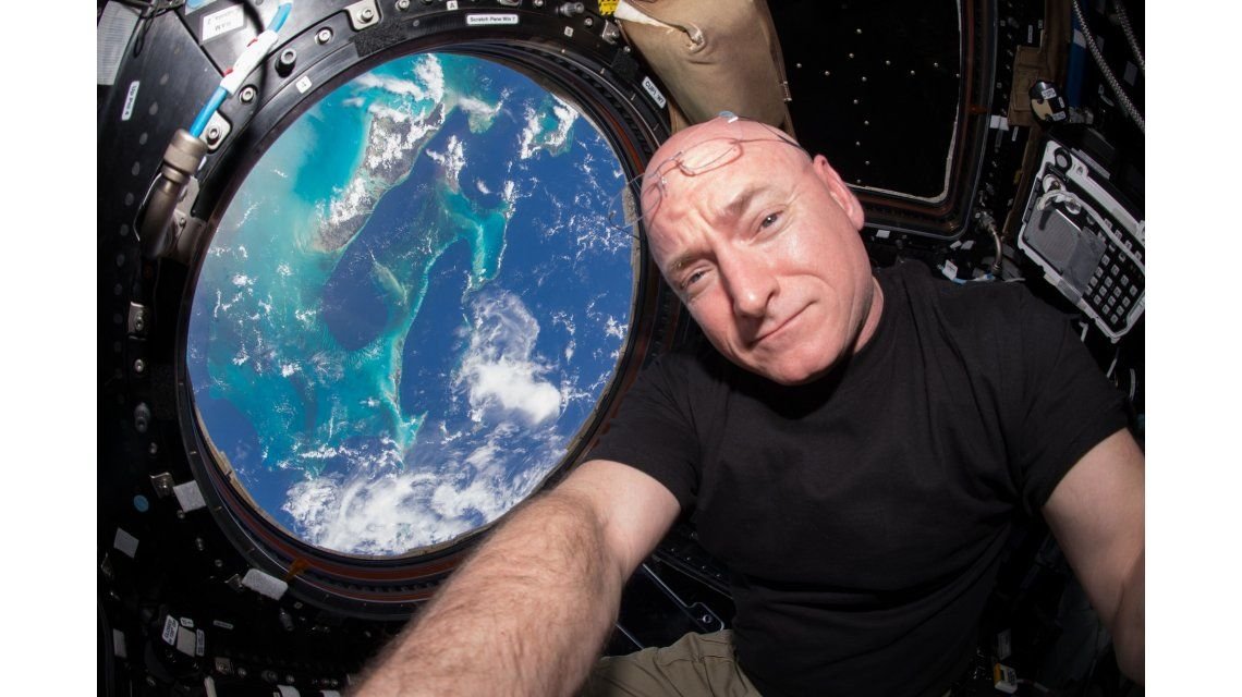 El astronauta Scott Kelly creció 5 centímetros tras pasar un año en el espacio
