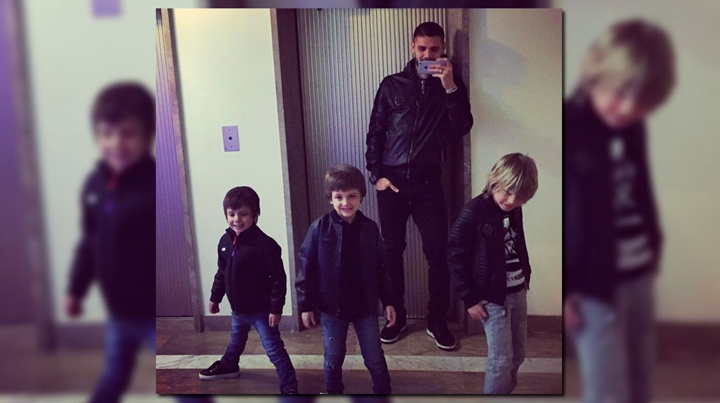 Mauro Icardi hace de padre con los hijos de Maxi López: mirá el video