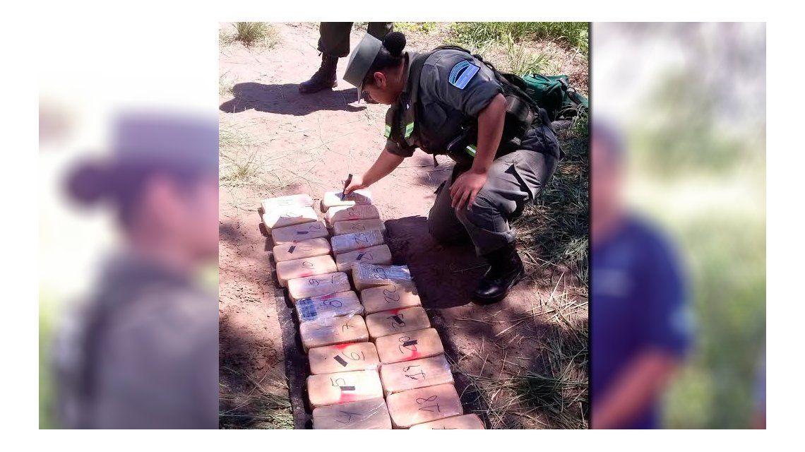 Gendarmería detuvo a un chofer que llevaba ocultos 66 kilos de cocaína