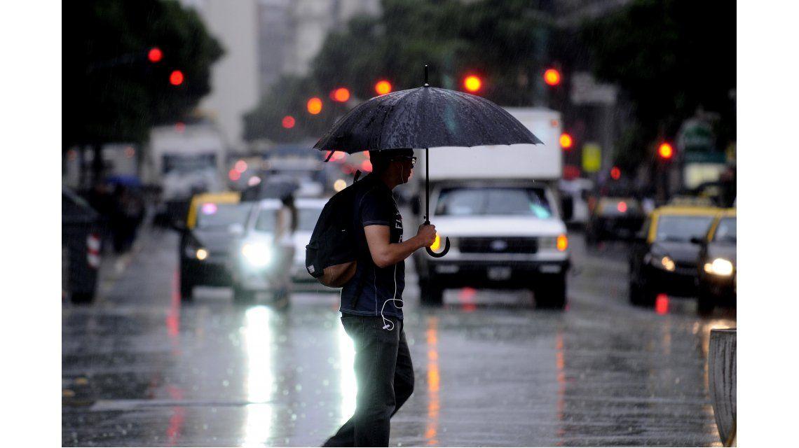 El SMN emitió un alerta por lluvias y tormentas fuertes