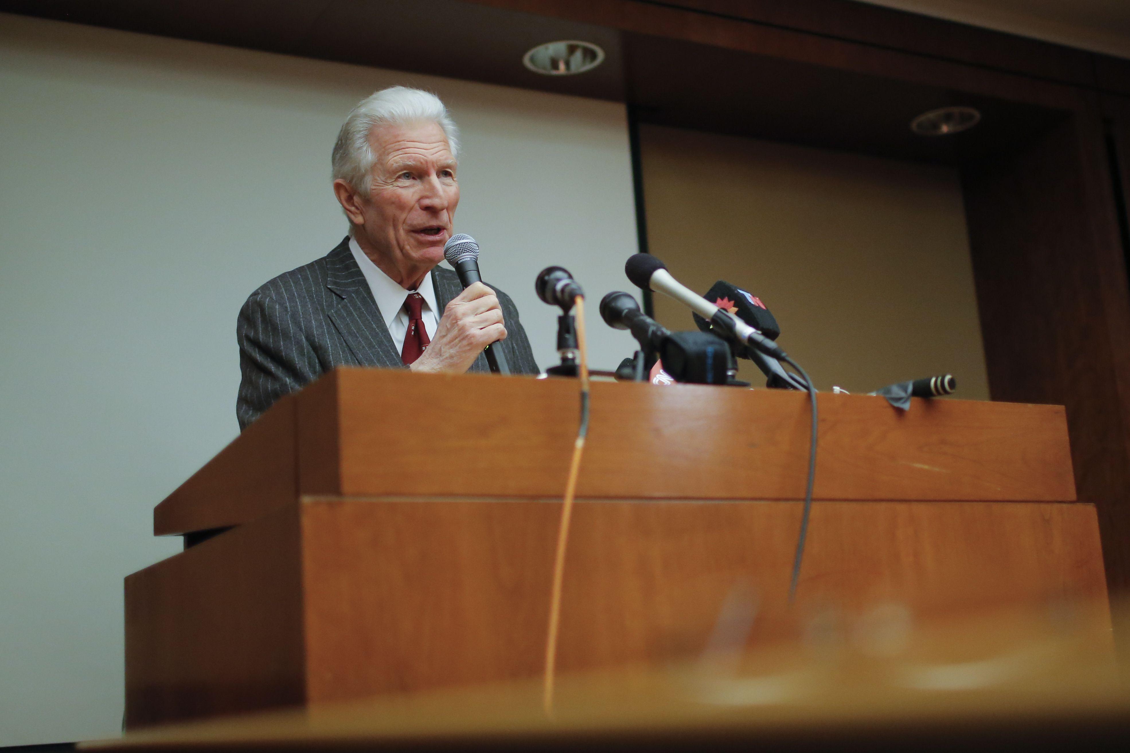 Pollack aclara el acuerdo: El pago se hará en efectivo y en dólares