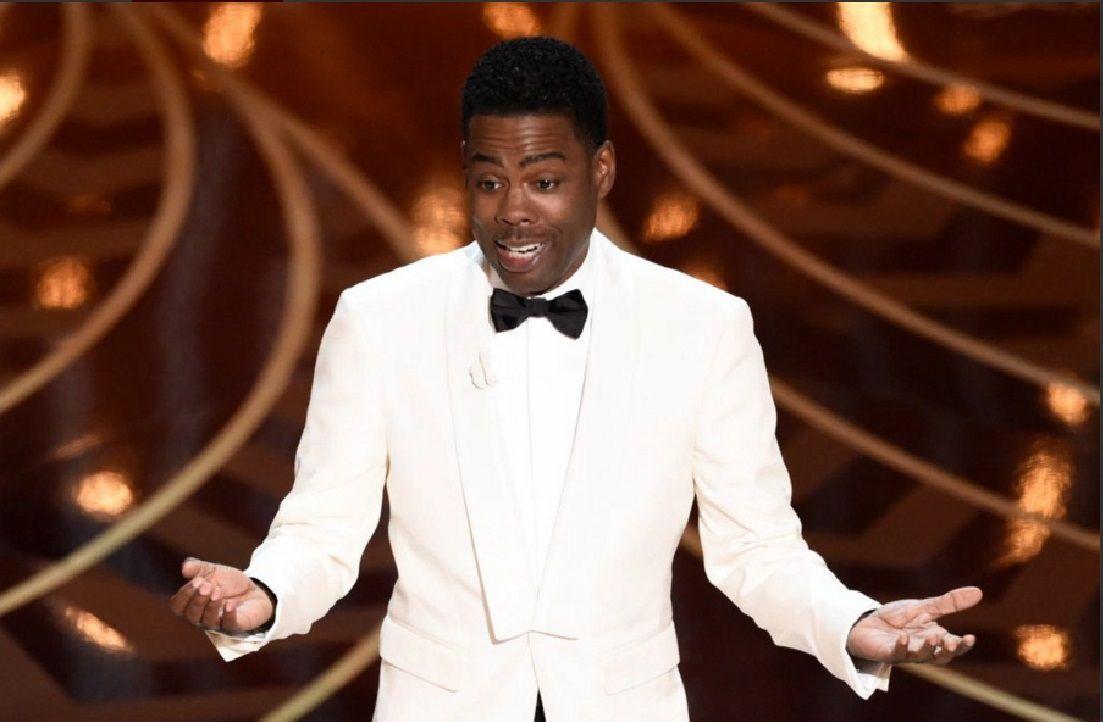 Chris Rock abrió los Oscar burlándose de las protestas por racismo