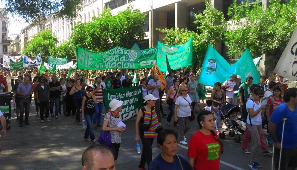 El primer paro nacional contra Macri