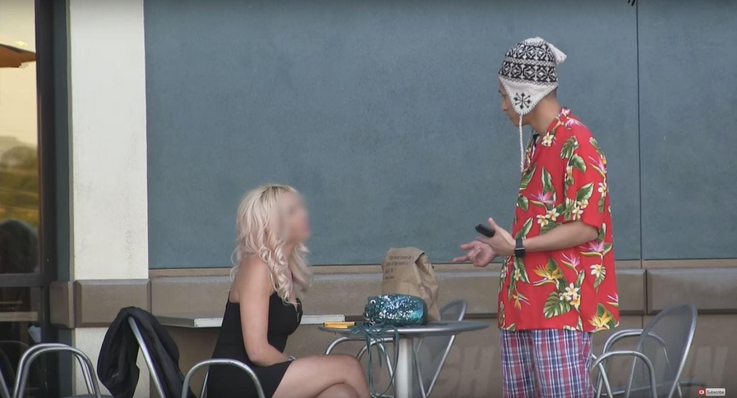 VIDEO: Lo rechazó porque pensaba que era pobre y después volvió arrepentida