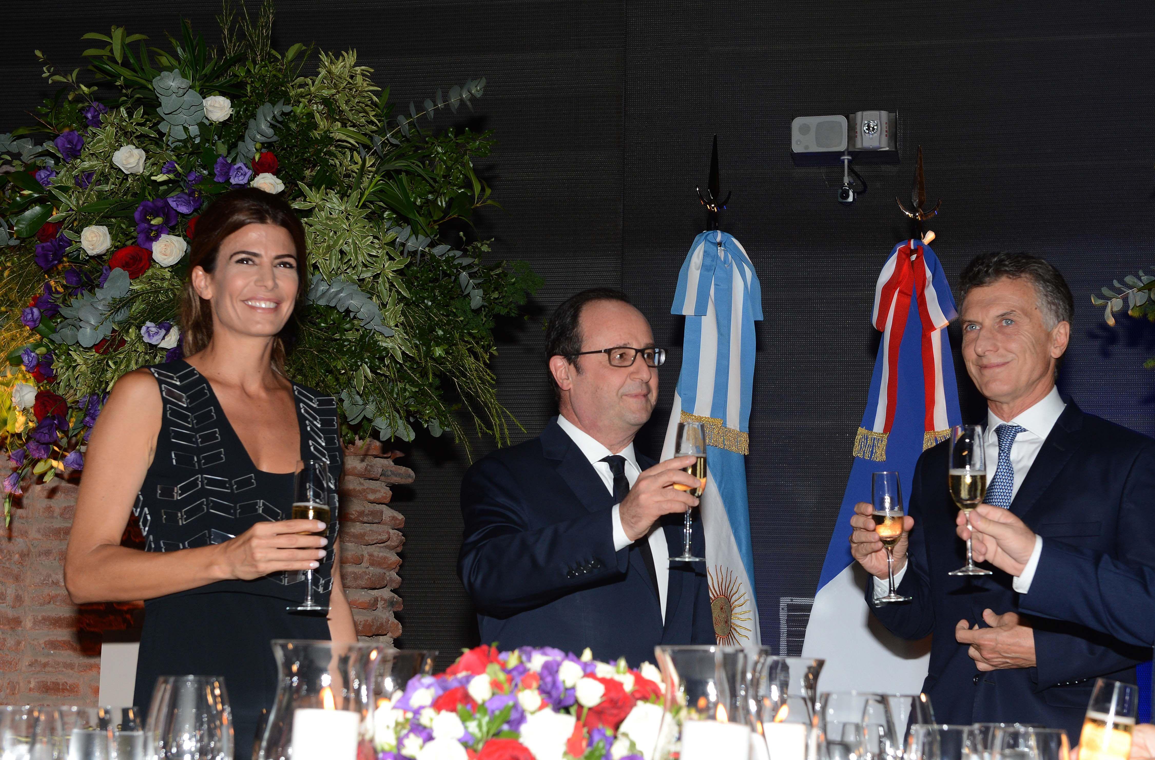 ¿Qué famosos estuvieron en la cena de Macri con Hollande?