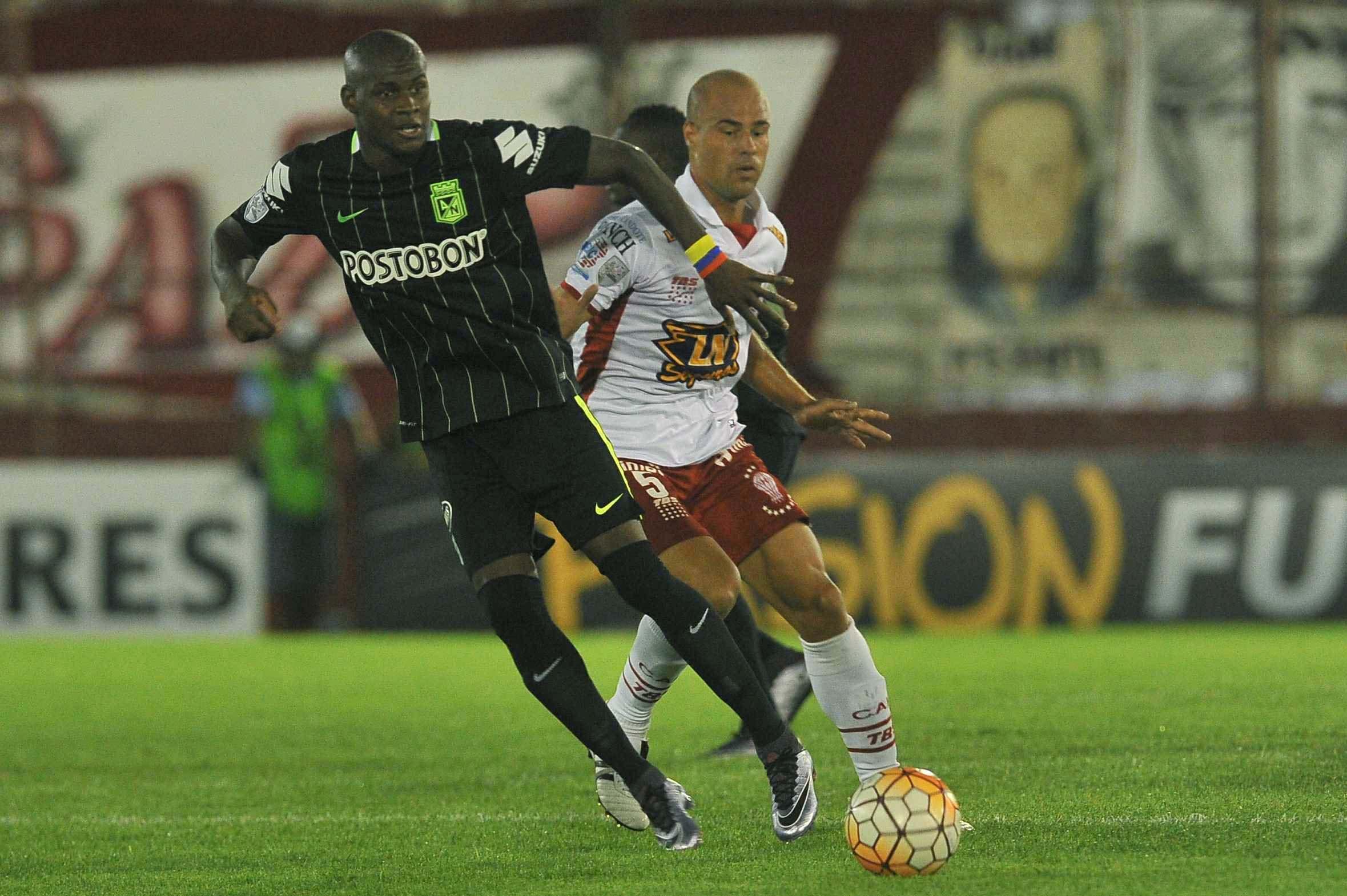 Tras el accidente, Huracán perdió ante Atlético Nacional en el Ducó