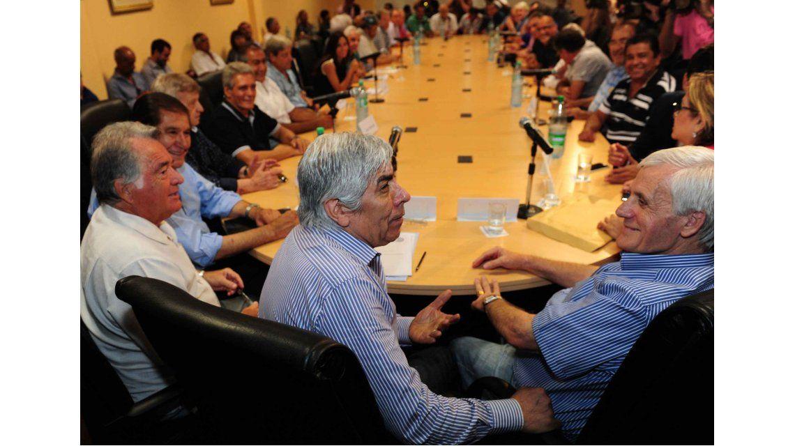Caló, Moyano y Barrionuevo dieron el primer paso hacia la unidad de la CGT
