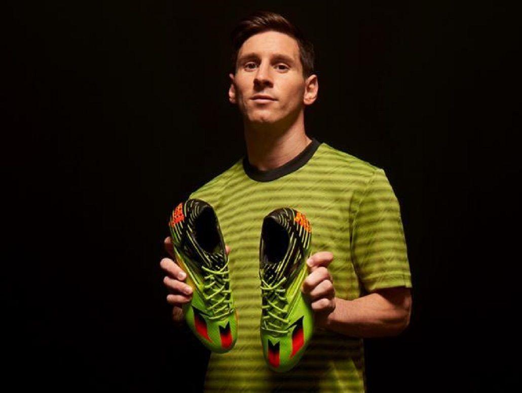 Así son los botines que estrenó Lionel Messi ante el Arsenal