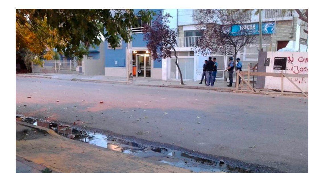 Al menos 50 detenidos durante una batalla campal de la Uocra en Neuquén