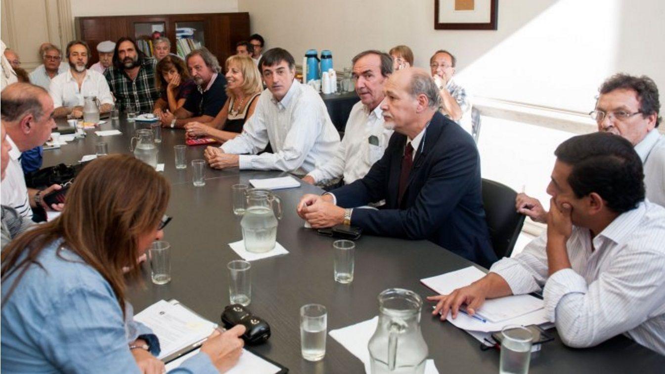 Antes de la reunión con Bullrich, docentes insisten con un mínimo de $8500