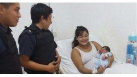 Policías parteros ayudaron a una embarazada