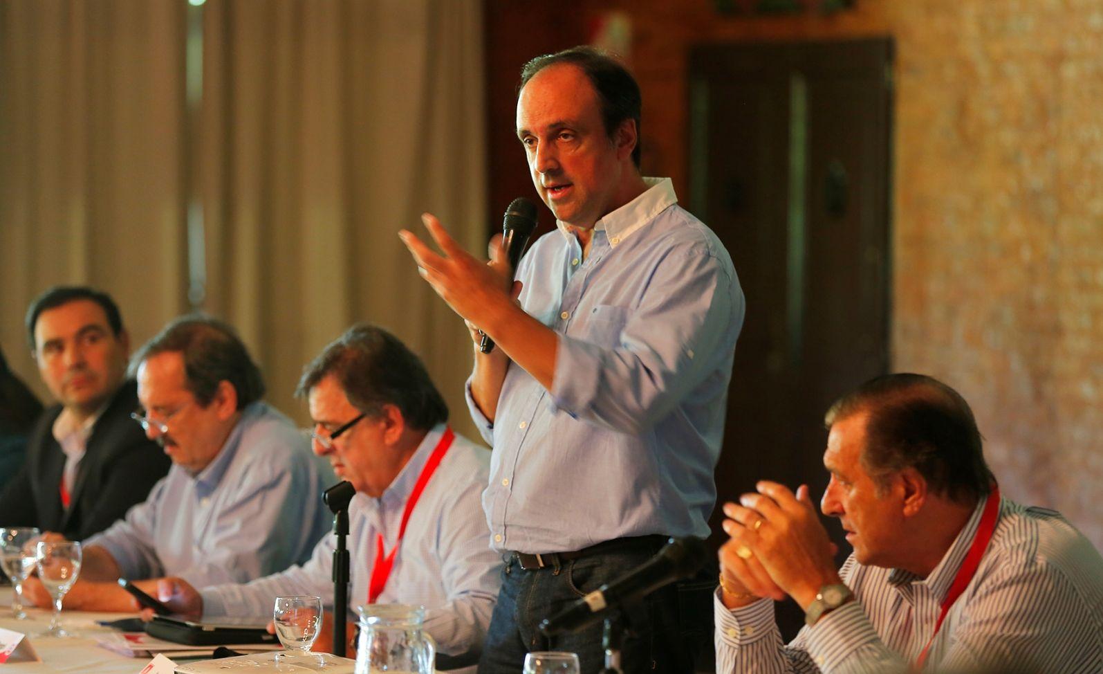 Radicales realizan una masiva cumbre en Luján para definir su rol en el Gobierno