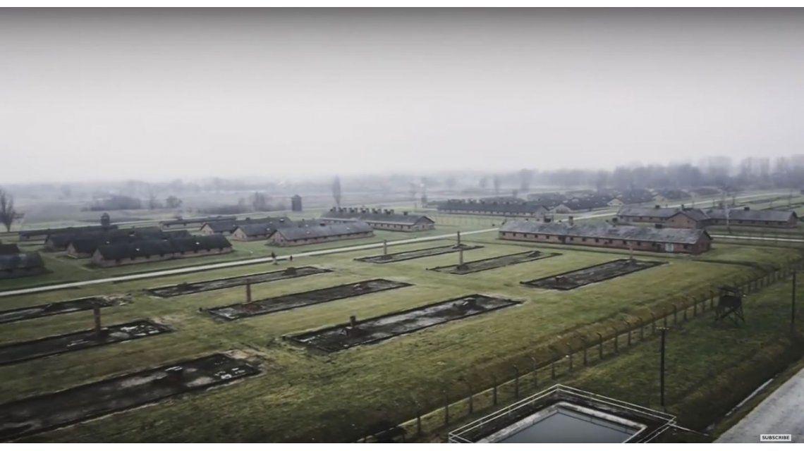 VIDEO: cómo es el campo de exterminio nazi Auschwitz visto desde un drone