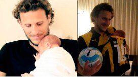 Diego Forlán conoció a su hijo recién nacido