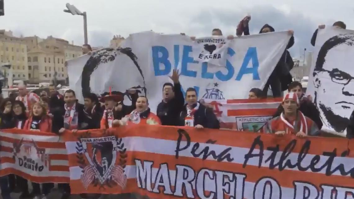 Locos 100%: Hinchas del Bilbao y el Marsella se unieron para cantar por Bielsa