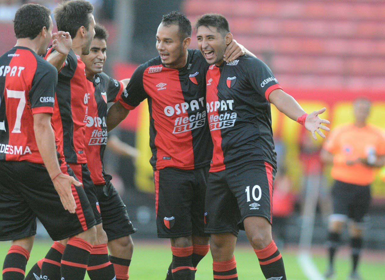 Con dos goles de Alan Ruiz, el sorprendente Colón goleó a Belgrano en Santa Fe