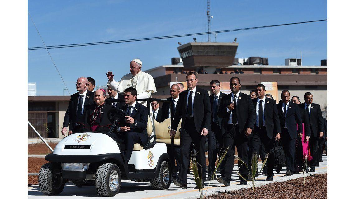 Color esperanza, la canción que eligieron presos de México para dedicarle al Papa