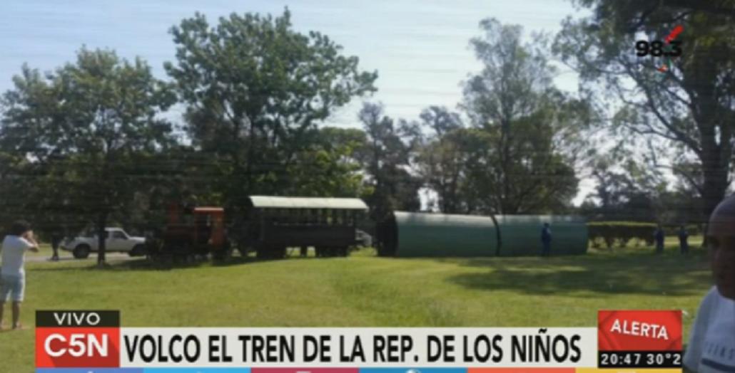 Al menos 16 heridos al volcar un tren en el parque temático República de los Niños