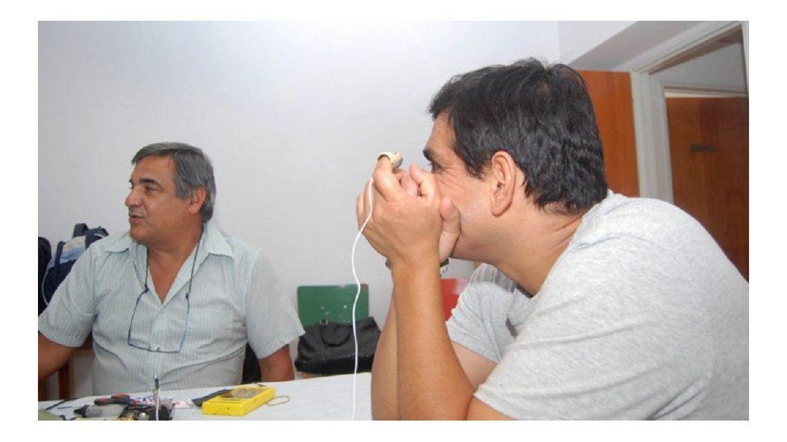 Invento argentino: un hombre volvió a escuchar después de 15 años
