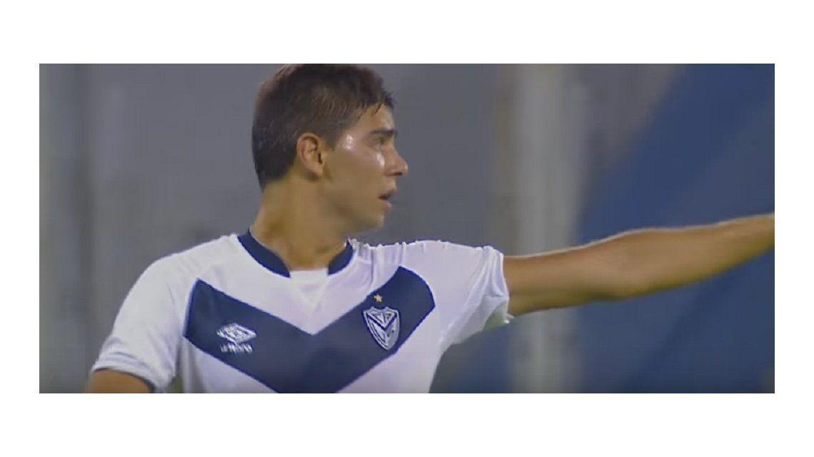 Susto en Vélez: un jugador sufrió un golpe y perdió la memoria
