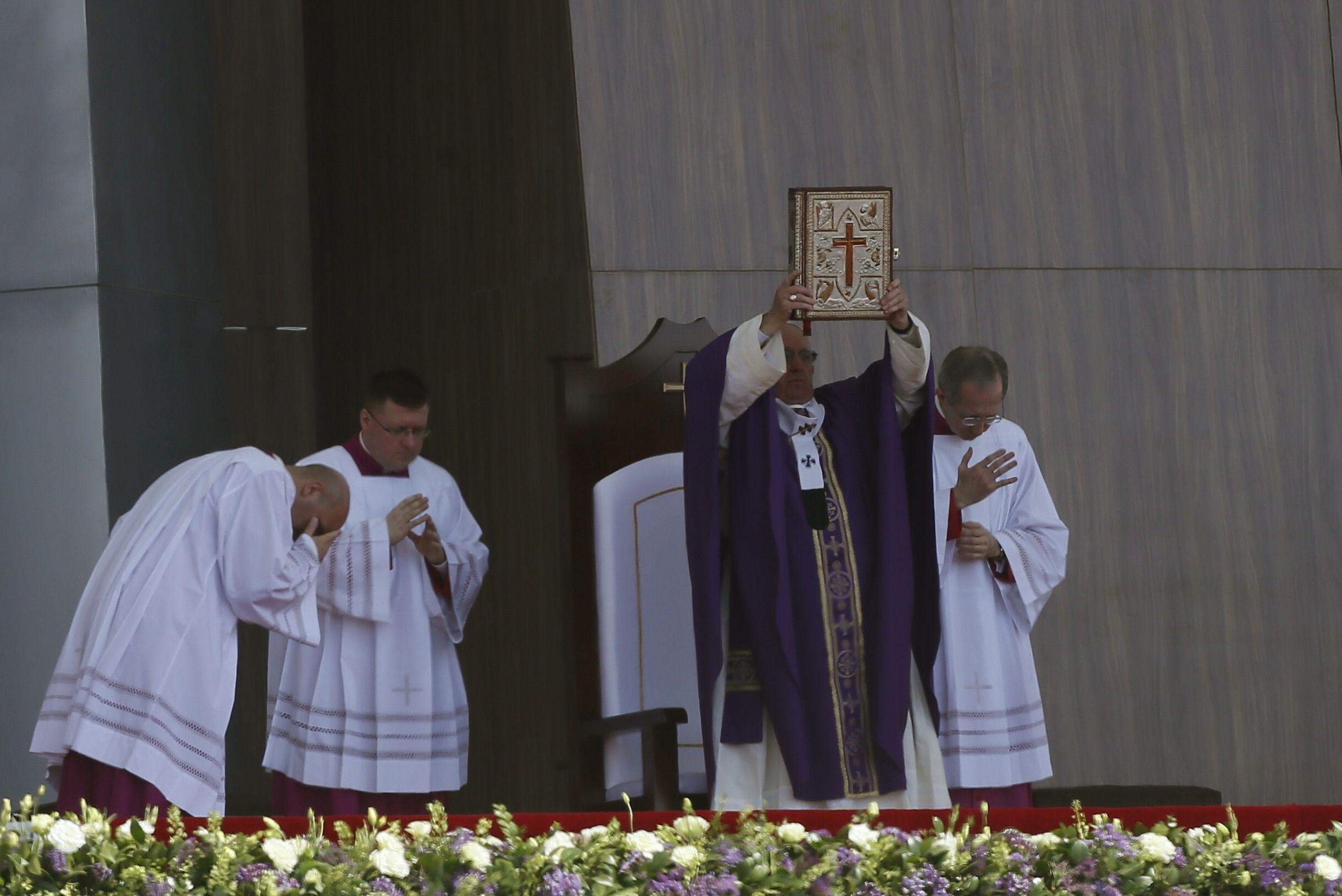 El Papa denunció en Ecatepec que existe una sociedad de pocos y para pocos