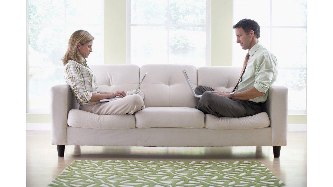 #SanValentín: ¿Cómo sobrellevar la rutina de trabajar juntos en casa?