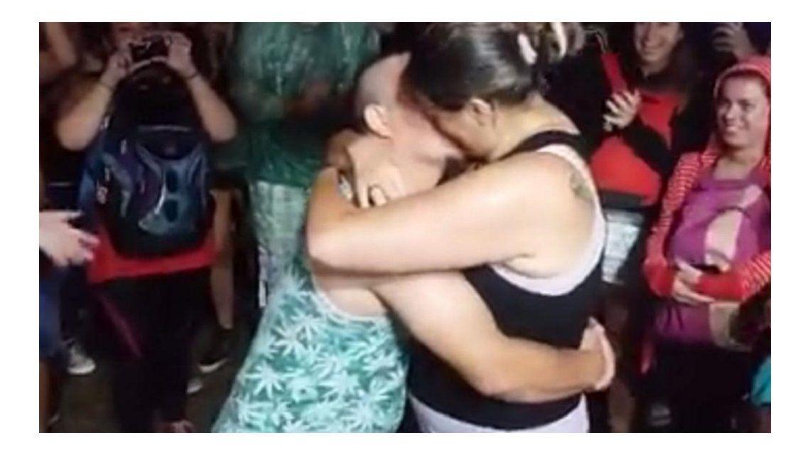 Historia de amor en el Cosquín Rock: le propuso matrimonio a su pareja en pleno festival