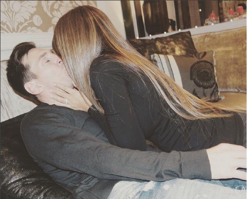 Lionel Messi y su mujer festejaron San Valentín con un apasionado beso