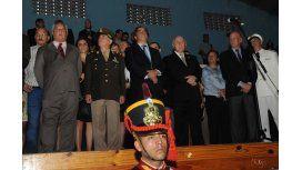 Abucheos y pedidos del gobernador de Santa Fe en el acto sin Macri
