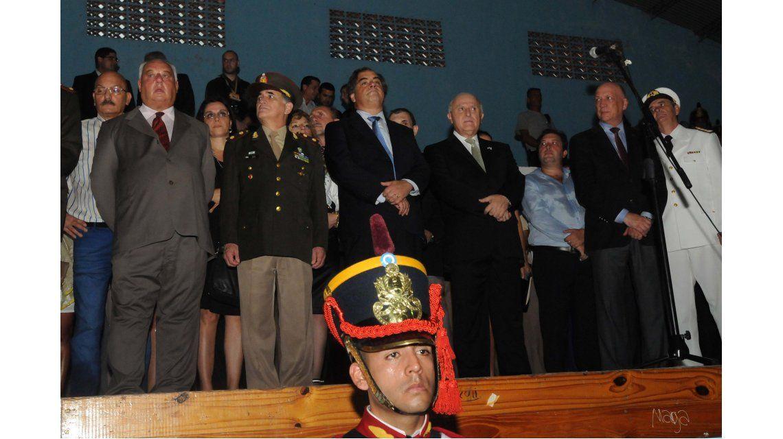 Abucheos, cánticos y pedidos en el acto por la batalla de San Lorenzo sin Macri