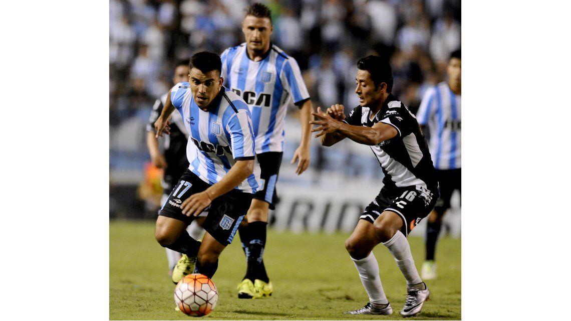 Racing venció a Puebla y se metió en la fase de grupos de la Copa Libertadores