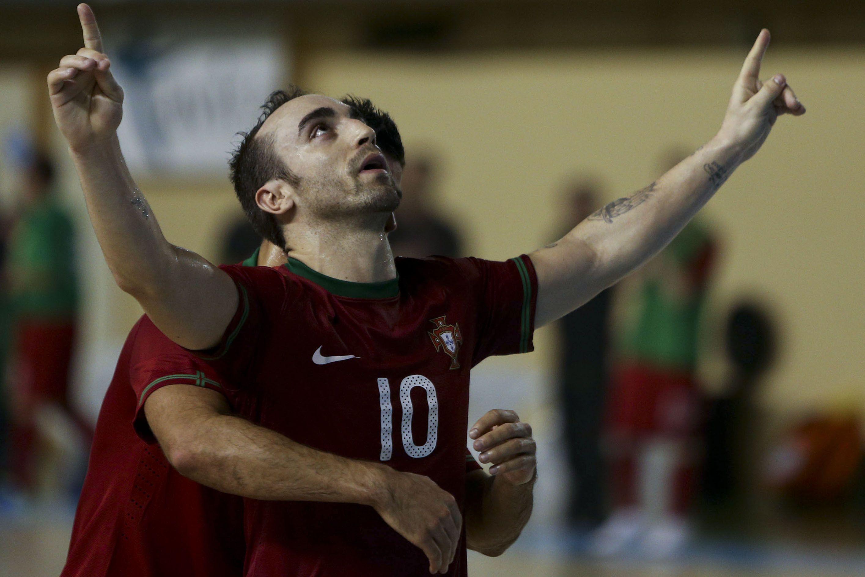 De otro planeta: un portugués hizo el mejor gol del campeonato europeo de futsal