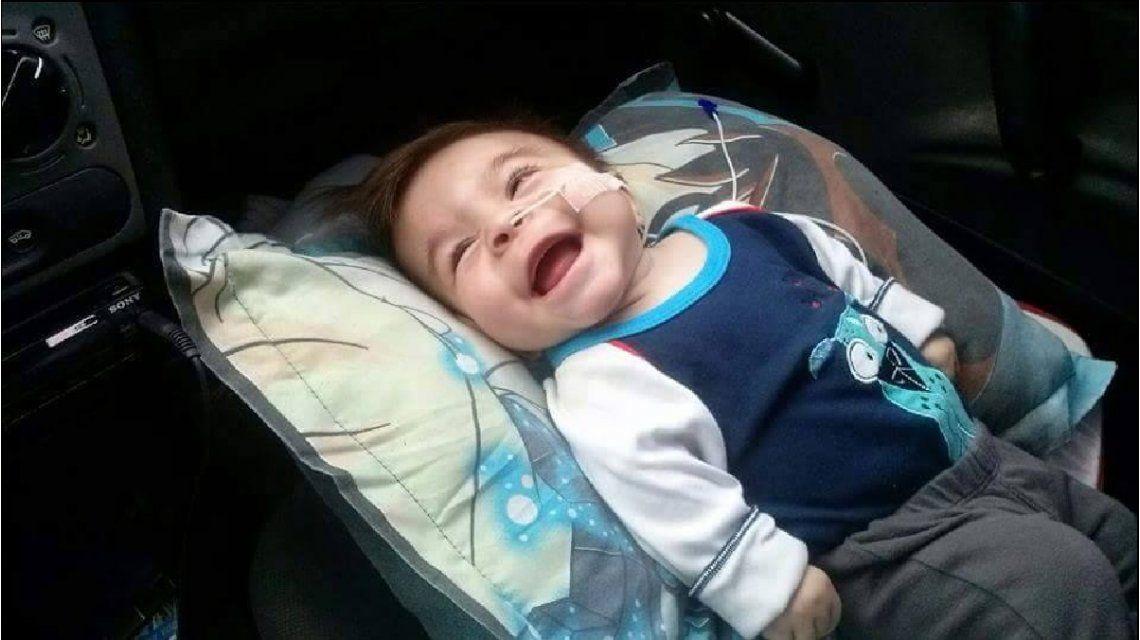 León tiene sólo 1 año, padece una rara enfermedad y necesita ayuda
