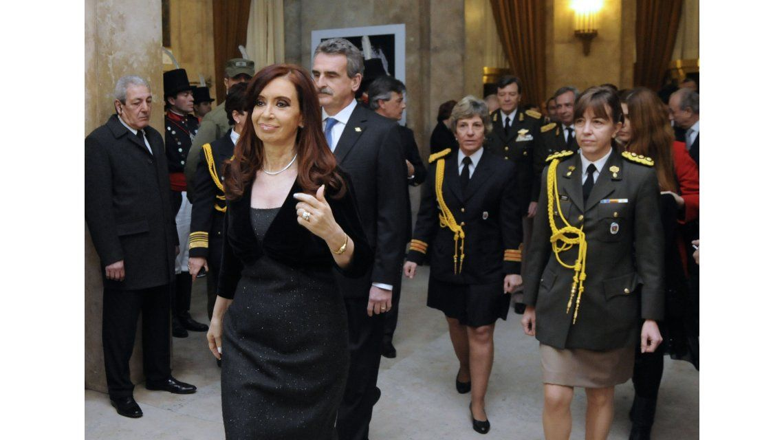 Macri oficializó el cambio de la edecán presidencial y nombró a un varón