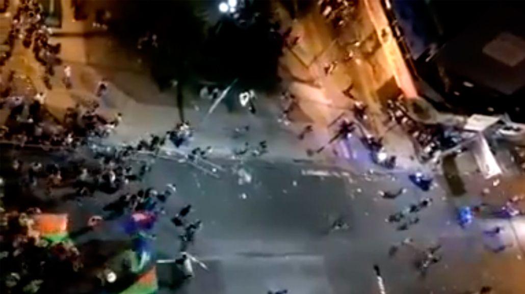 Carnaval violento en Quilmes: se enfrentaron dos bandas en pleno festejo