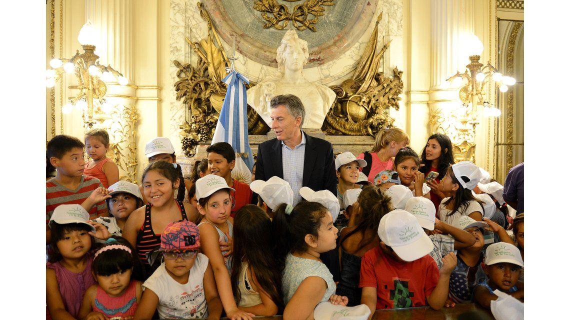 ¿Quién está haciendo lío?, el chiste de Macri a los chicos de la Villa 31