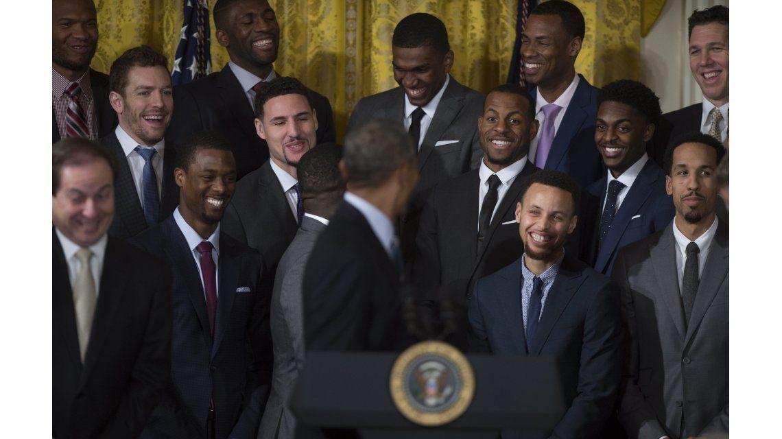 Obama imitó el baile de Curry en la visita de los Golden State a la Casa Blanca