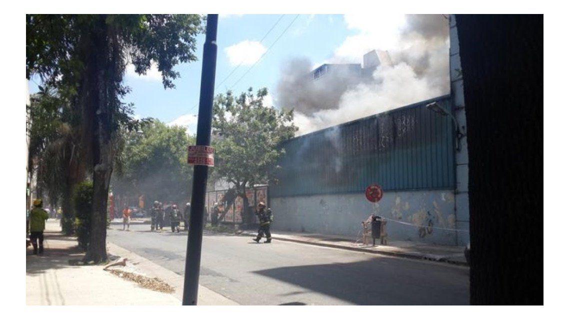 Susto en Canal 13 y TN por un incendio en las instalaciones de Constitución
