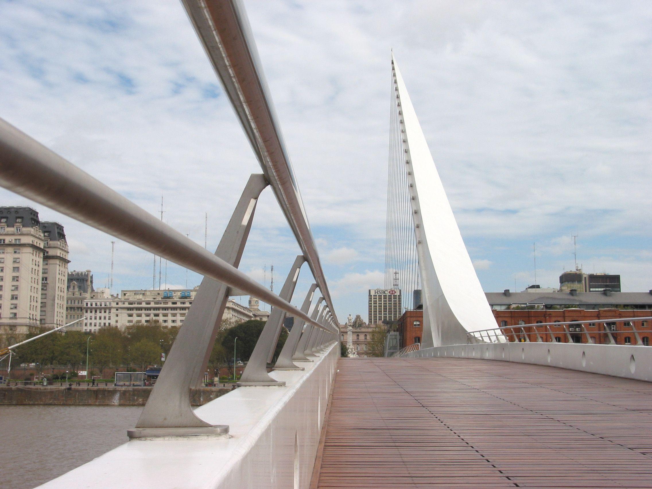Domingo con cielo cubierto en la Ciudad y con posibles lloviznas para la tarde