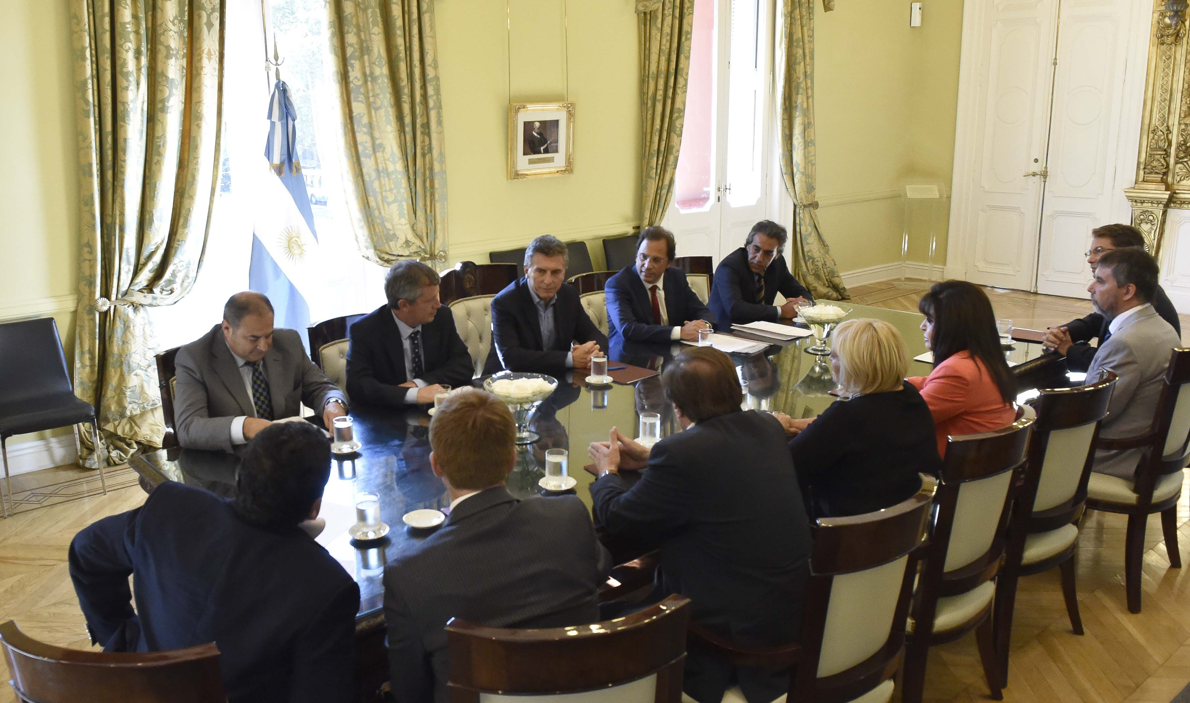 Mauricio Macri recibió el apoyo de diputados peronistas y ex massistas