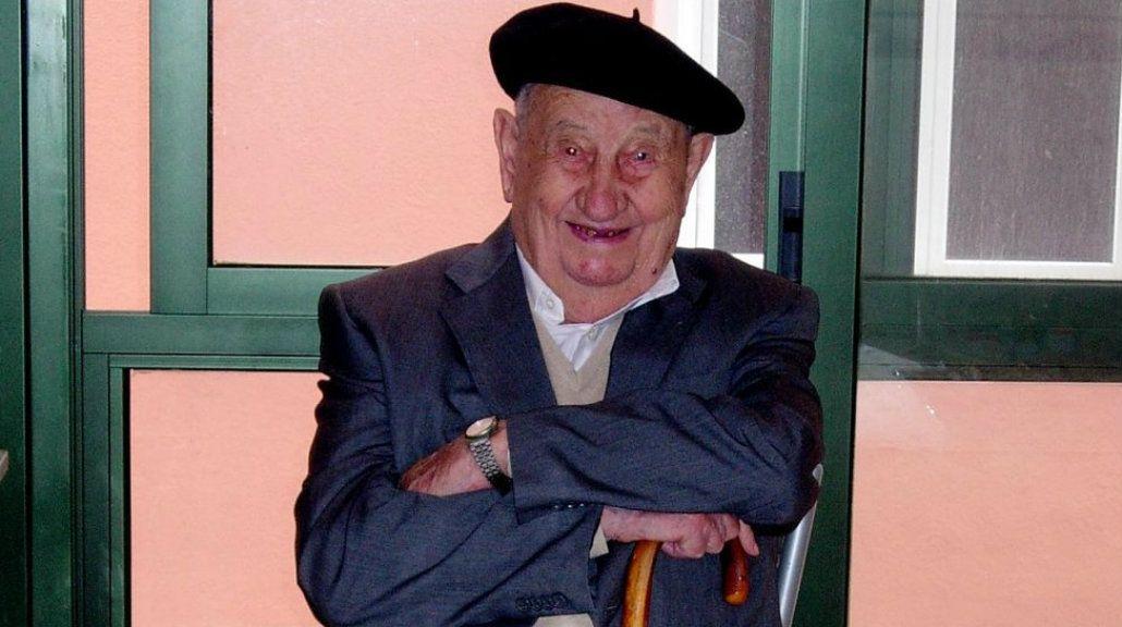 Murió en España el hombre que llegó a los 107 años tomando sólo vino