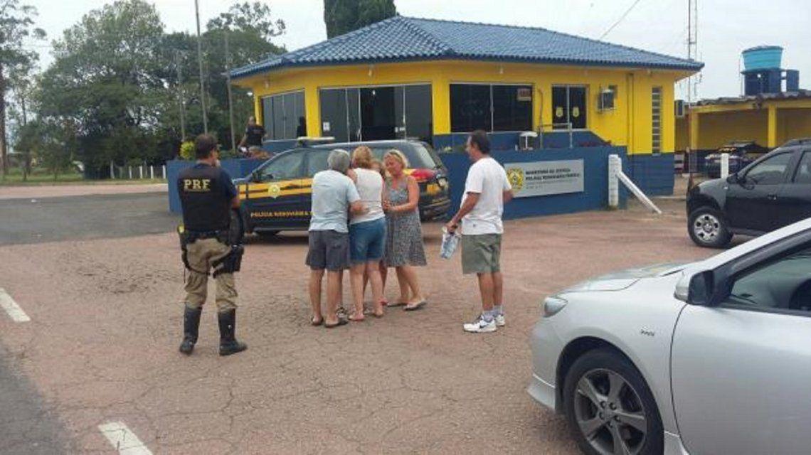 Una pareja argentina olvidó a su hija en un estacionamiento en Brasil