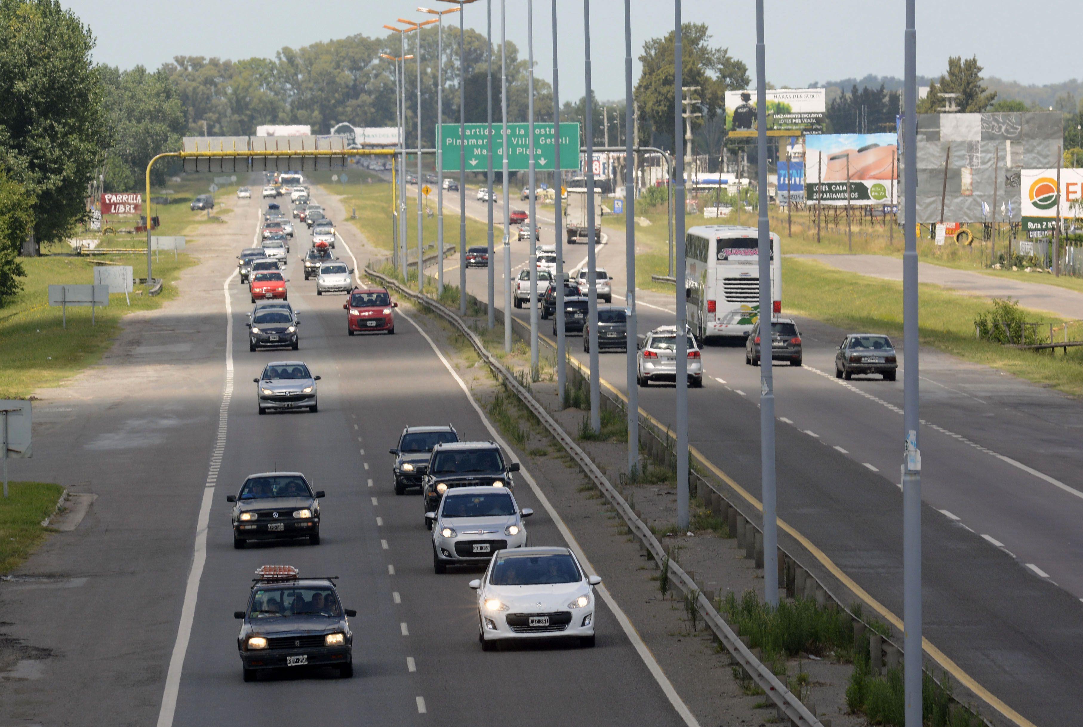 Por el alto tránsito en la Autovía 2 debido al final de las vacaciones de verano 2020, restringen la circulación de camiones
