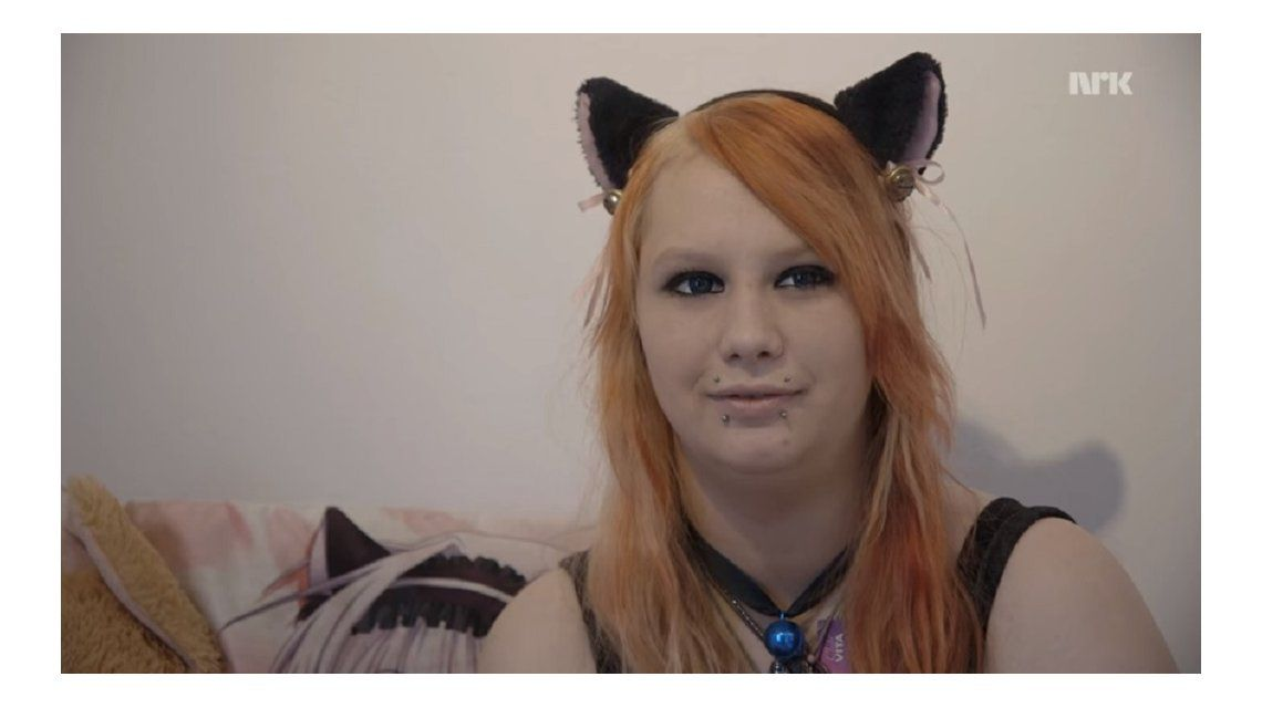 Una joven noruega asegura que es un gato en un cuerpo humano